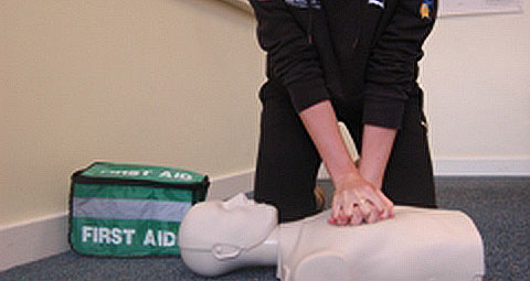 Emergency first aid, sport, training, coaches, volunteers